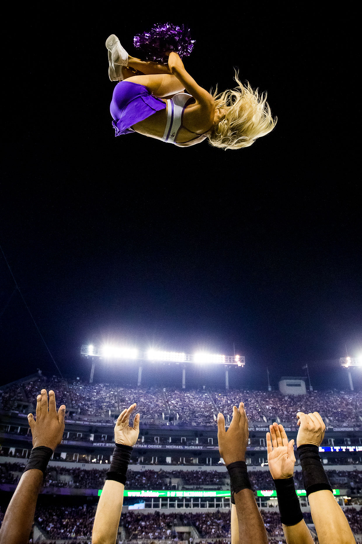 NFL Cheerleading - Commercial Sports Photographer 30