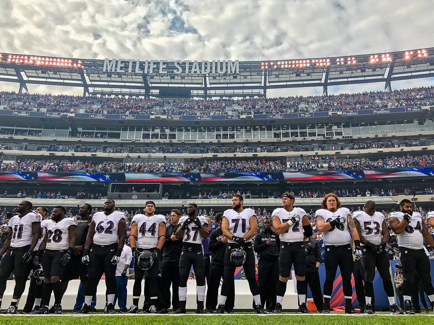 iphone12 entire NFL football game between the Baltimore Ravens and New York Giants shot using only an iPhone 7 at Metlife Stadium #shotoniphone iphone photographer NFL iphone