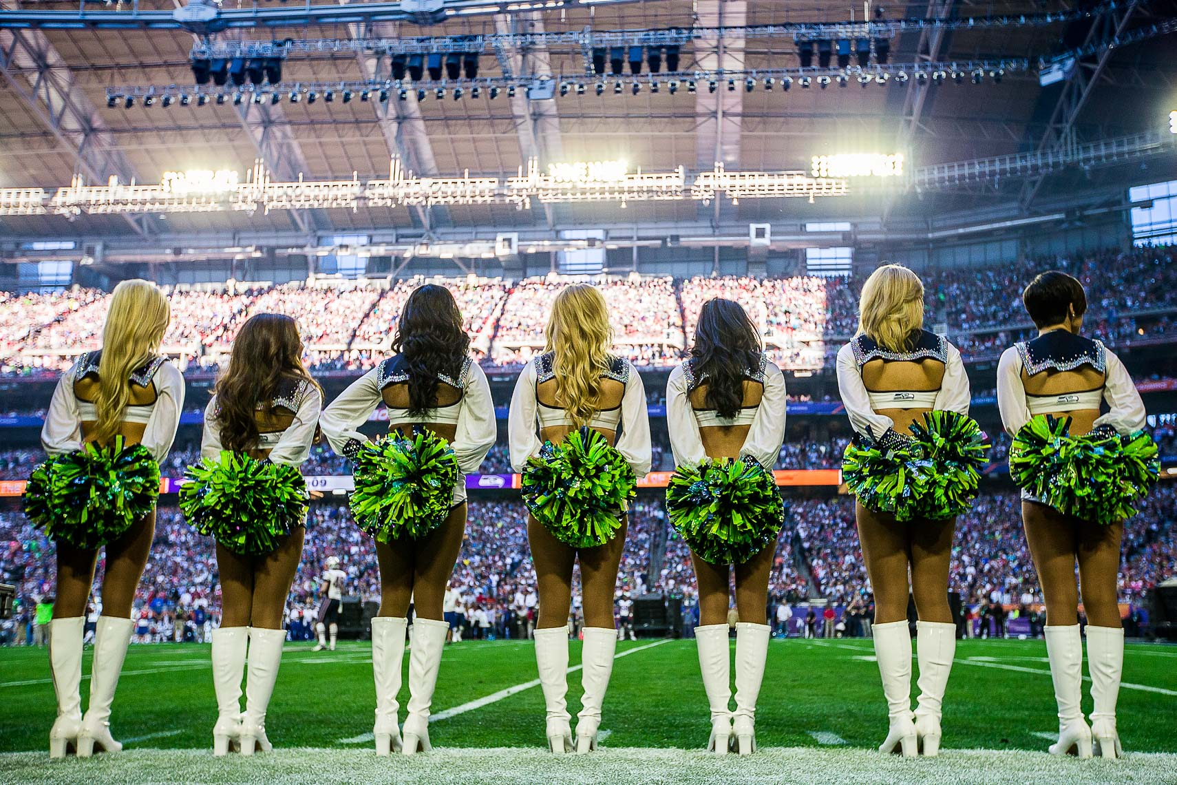 superbowl20  Best Super Bowl XLIX 49 photos between Seattle Seahawks and New England Patriots Cheerleaders